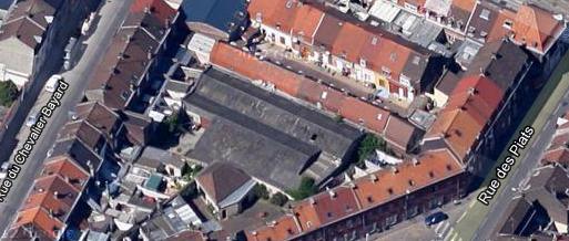 Batiment derriére les maisons entre Rue des Piats et du chevalier Bayard