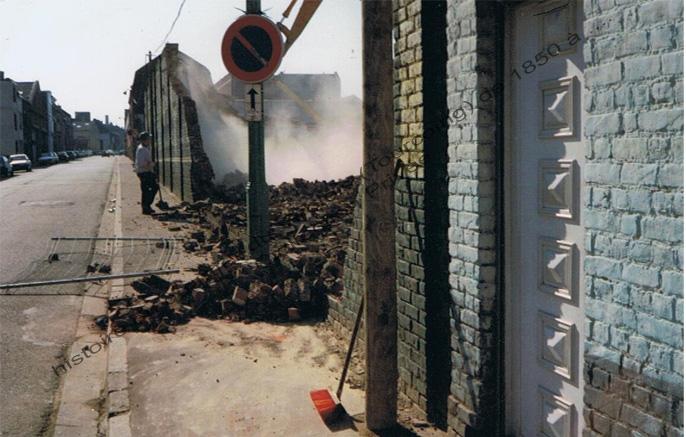Nuttin rue de l'Epine démolition 2001 copie
