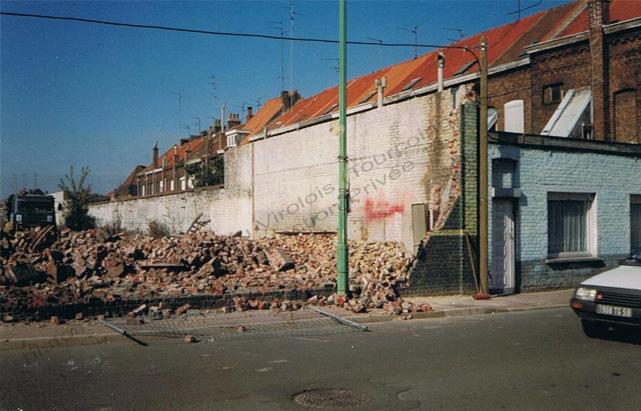 Nuttin rue de l'Epine démolition2- 2001 copie